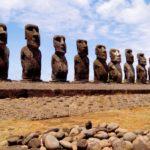 Где находится остров Пасхи и его статуи моаи?