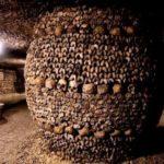 Катакомбы Парижа - подземный погреб Франции