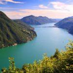 Какие страны граничат с озером Лугано?
