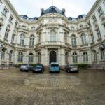 Где живет премьер-министр Бельгии?