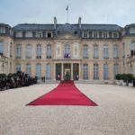 Где живет президент Франции?